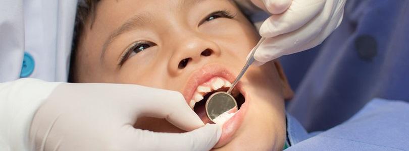 Кариес молочных зубов у детей фото